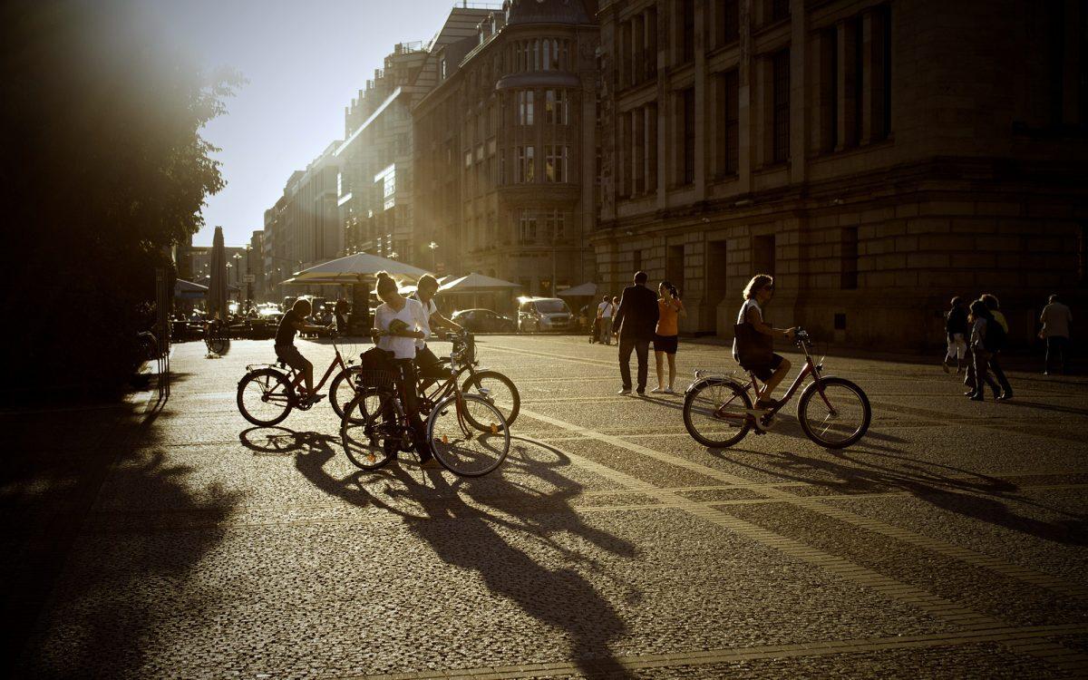 1a3a9dc899 5 consejos para montar en bici en verano- Biciclaje