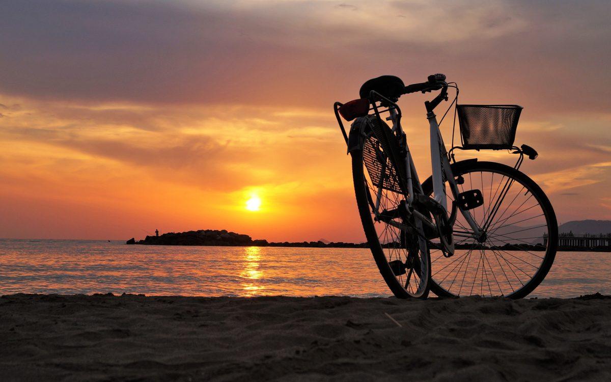 bicicleta-atardecer-enamorate-de-tu-bici